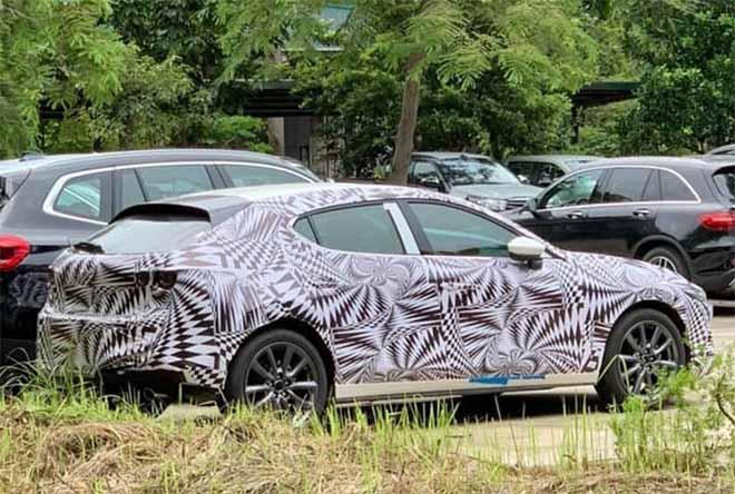 Bắt gặp Mazda3 2019 được ngụy trang kín mít đi đăng kiểm, sắp bán ra tại Việt Nam - 1