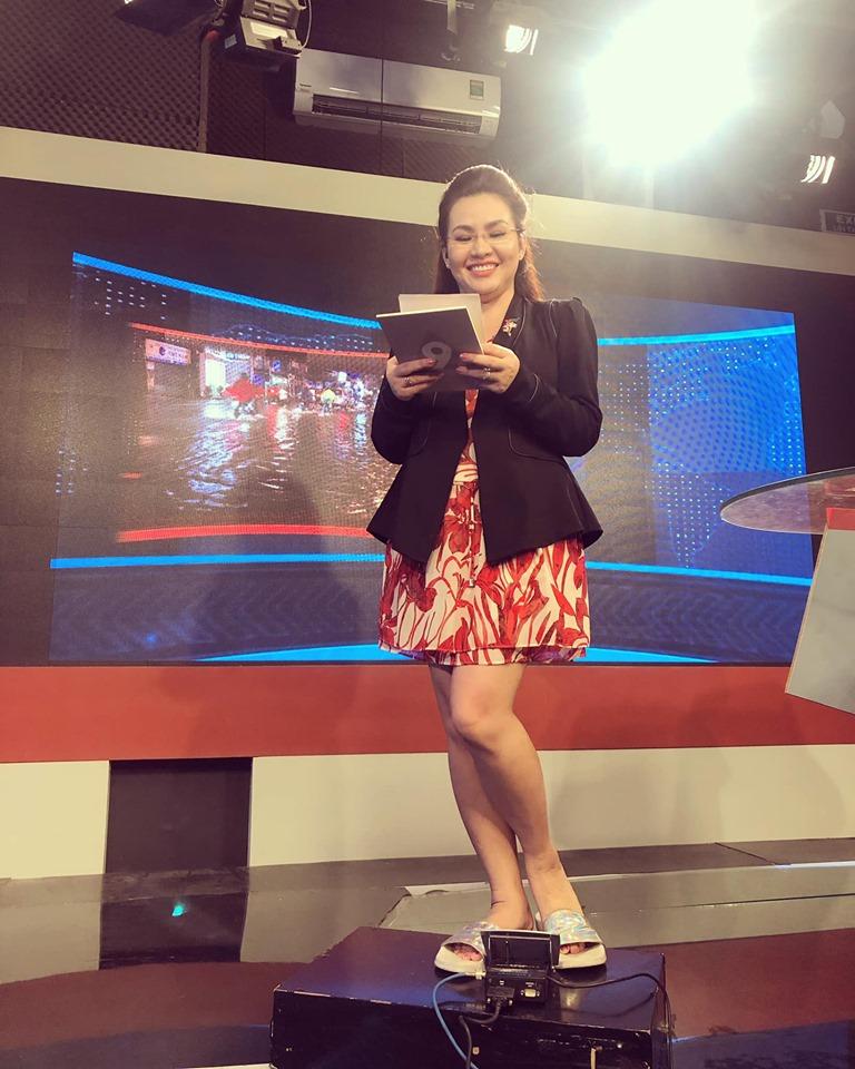 Bí mật hậu trường trang phục lên sóng của BTV đài VTV khiến khán giả bất ngờ - 1