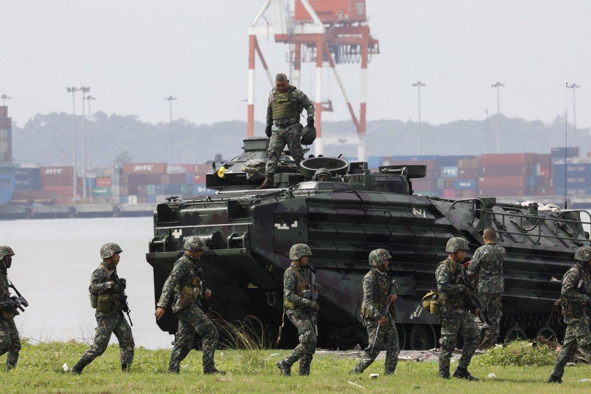 """Phillippines tập trận """"lịch sử"""" ở Biển Đông: Đổ bộ chiếm đảo bằng vũ khí mới - 1"""