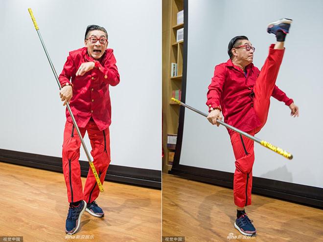 """60 tuổi, """"Tôn Ngộ Không"""" Lục Tiểu Linh Đồng lại múa võ khỉ dù bị chế giễu - 1"""