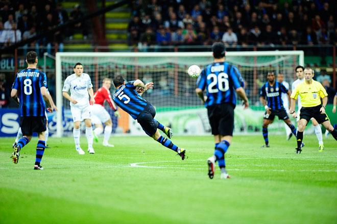 """""""Người nhện"""" đỉnh hơn cả Neuer: 4 giây chạy 20m cứu thua không tưởng - 1"""