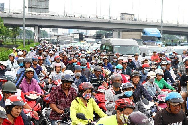 Bộ GTVT nói gì về đề án hạn chế xe máy vào nội đô của TP Hồ Chí Minh? - 1
