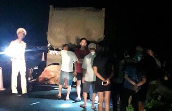 Đi xe máy trái phép trên cao tốc Nội Bài - Lào Cai, 2 thanh, thiếu niên tử vong - 1