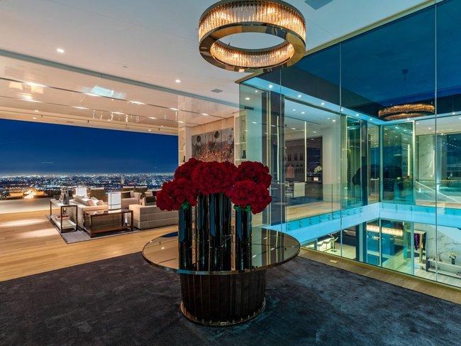 Mức giá 79,9 triệu đô la của ngôi nhà bao gồm tất cả đồ nội thất và tác phẩm nghệ thuật ...