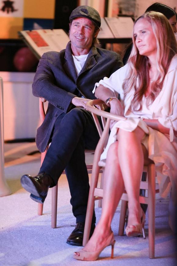 Brad Pitt có bạn gái mới sau khi ly hôn? - 1