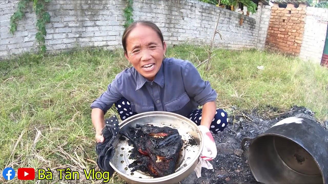 Bà Tân ra Vlog lần đầu làm món gà úp nồi và cái kết bất ngờ - 1