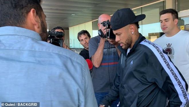 Neymar bất ngờ về Barcelona: Lôi nhau ra tòa, khó lường chuyện tái hợp Messi - 1