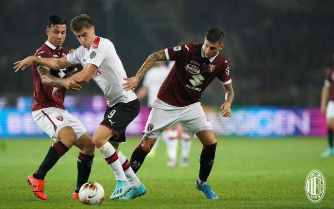 Video highlight trận Torino - AC Milan: Cú đúp, thẻ đỏ & 4 phút ác mộng - 1