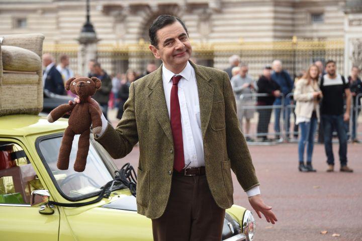 Mỹ nhân kém 29 tuổi khiến Mr.Bean từ bỏ cuộc hôn nhân 24 năm chỉ trong 65 giây - 1