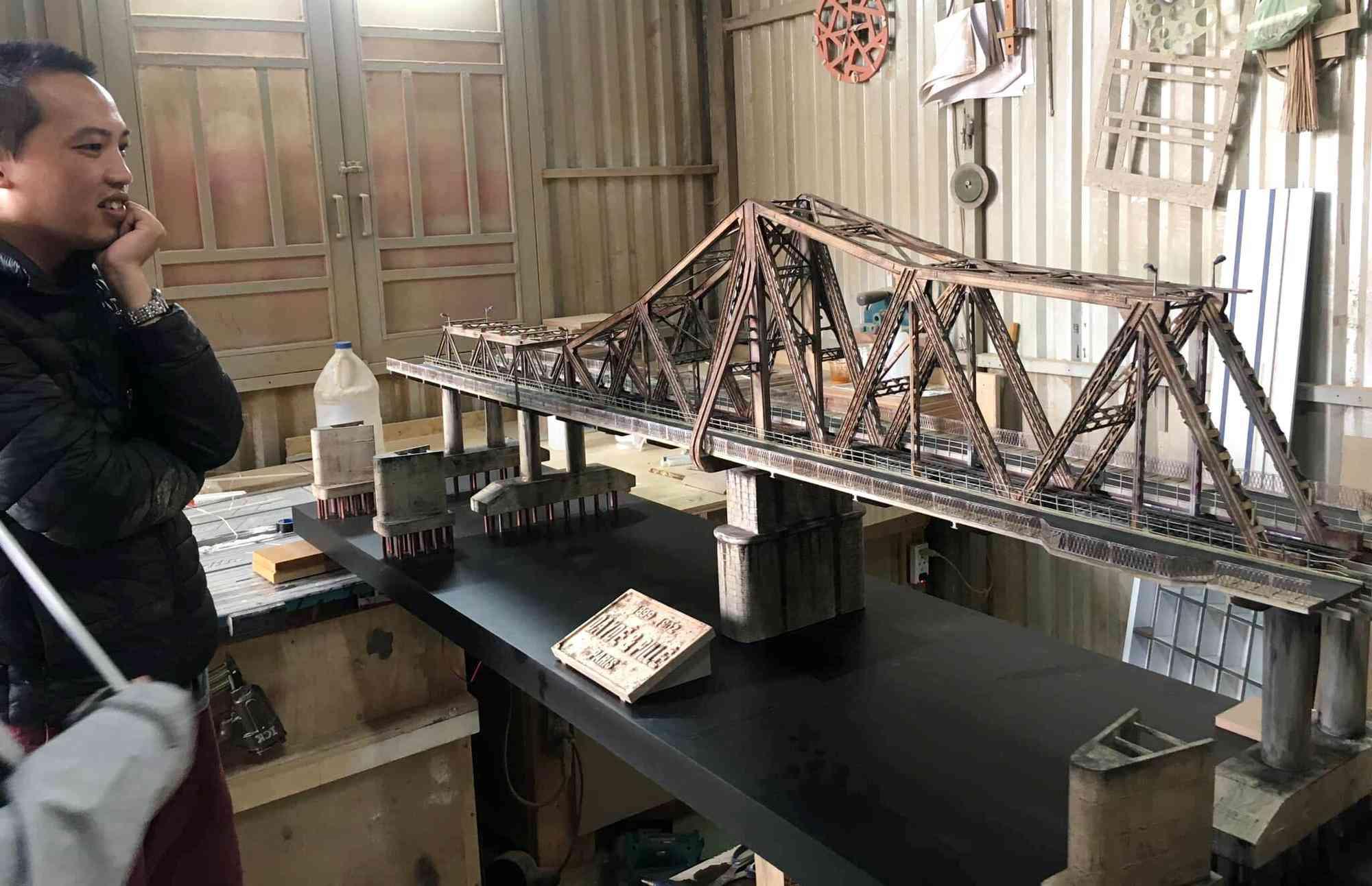 Chiêm ngưỡng mô hình cầu Long Biên như thật của chàng trai Đà Lạt - 1