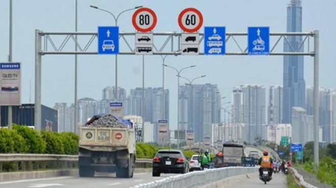Tài xế nói gì về quy chuẩn giao thông đường bộ mới? - 1
