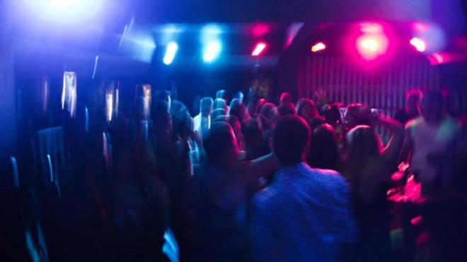 Covid-19: Những bữa tiệc bệnh hoạn của giới trẻ Mỹ - 1