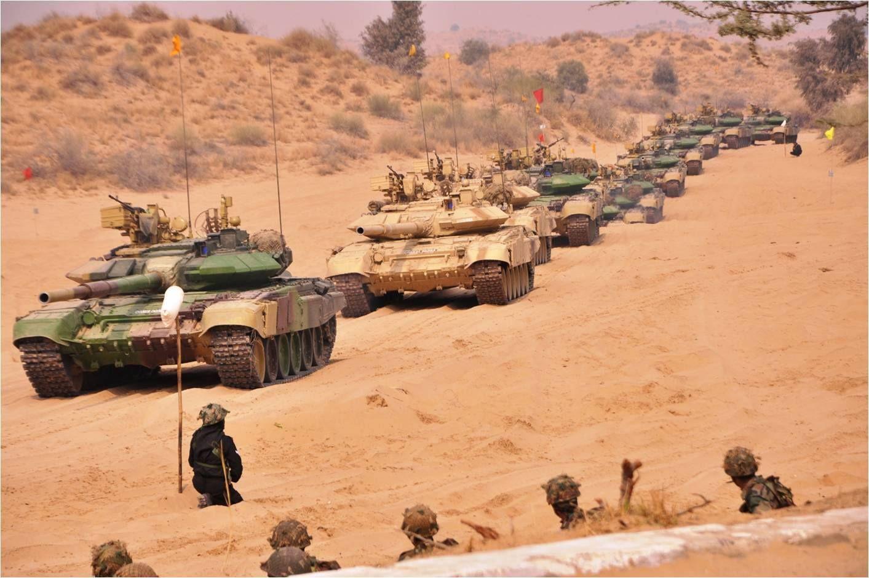 """Đấu súng ở biên giới, Ấn Độ rơi vào """"thế gọng kìm"""" chưa từng có trong lịch sử - 1"""