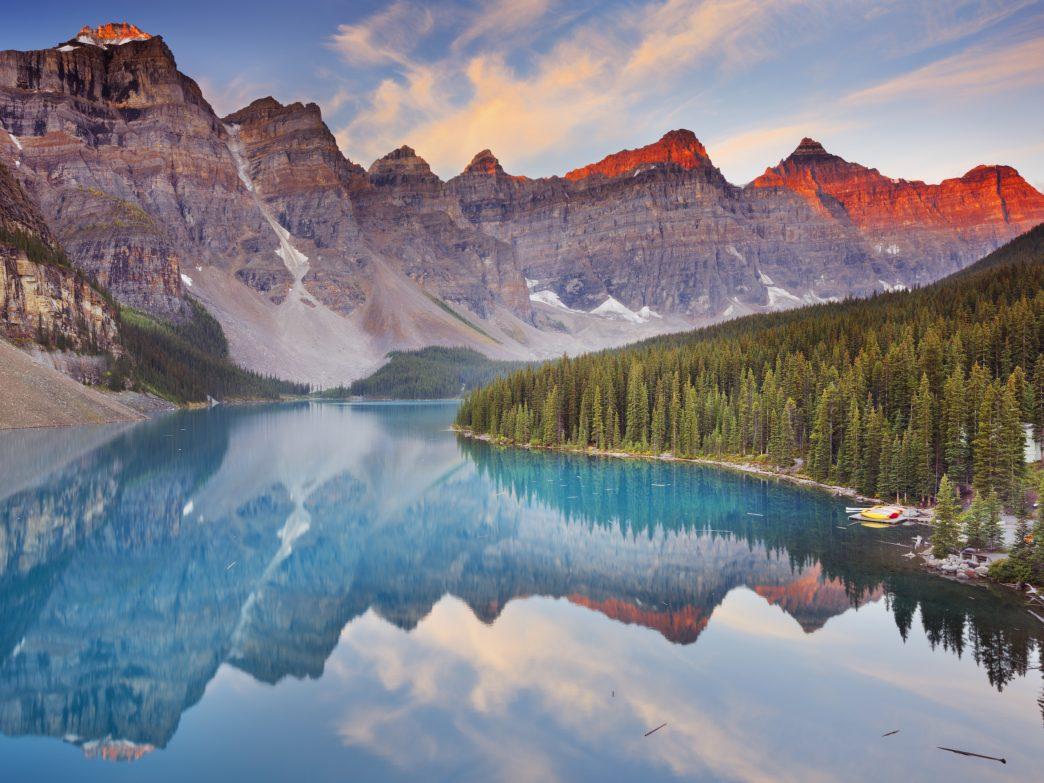 Những hồ nước đẹp và kỳ lạ nhất thế giới - 12