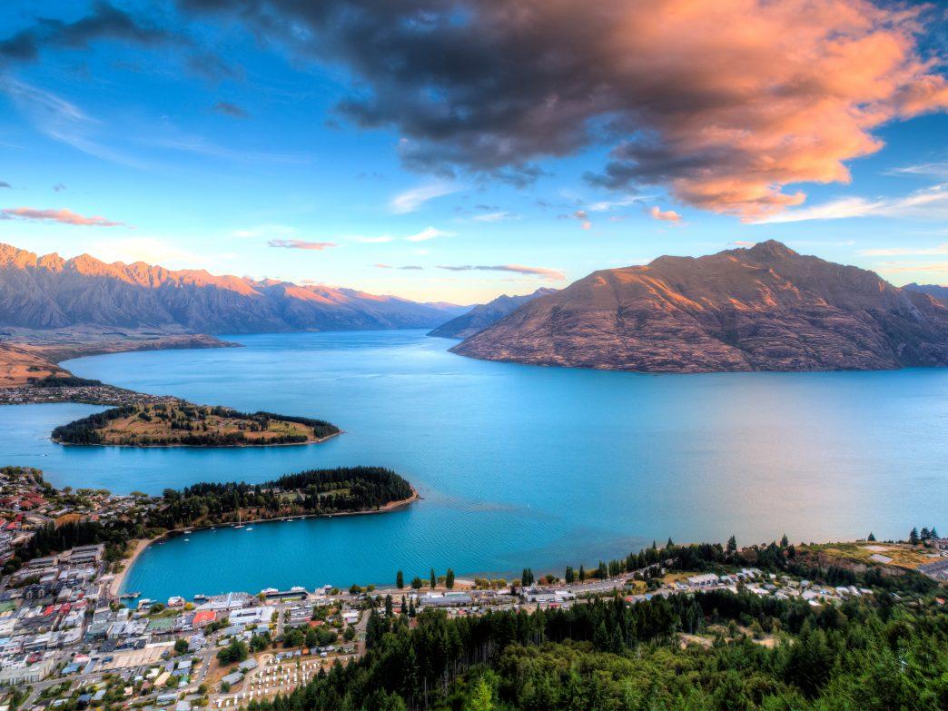 Những hồ nước đẹp và kỳ lạ nhất thế giới - 6