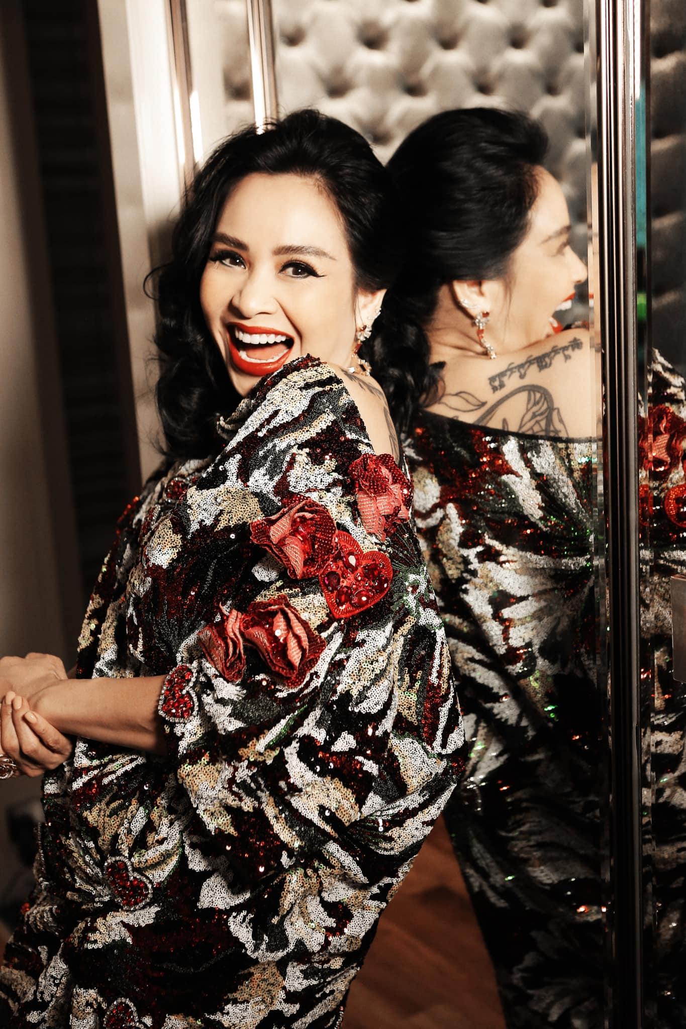 Diva Thanh Lam yêu bác sĩ ở tuổi 51, trẻ đẹp khó ngờ nhờ say trong men tình - 1