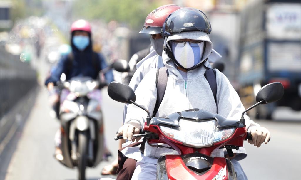Từ ngày mai (6/7), Hà Nội quay lại với nắng nóng điên cuồng, nhiệt độ xấp xỉ 40 độ C - 1