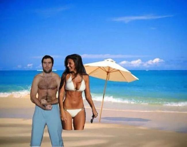 Được đi tắm biển cùng người đẹp như mong muốn nhé.