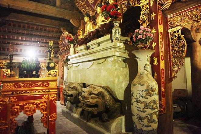 """Bảo vật Quốc gia """"sư tử trán lạc đà"""" ở Hà Nội có gì đặc biệt? - 1"""