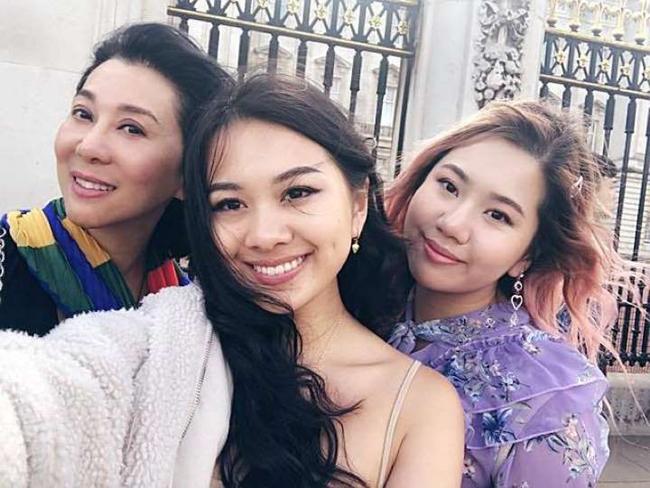 Hai cô con gái của MC Kỳ Duyên thừa hưởng những nét đẹp từ người mẹ. Cả gia đình nữ MC đều hội tụ nhan sắc đẹp tự nhiên, quyến rũ.