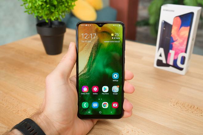 """Đây là chiếc smartphone đang """"bán chạy"""" nhất của Samsung - 1"""