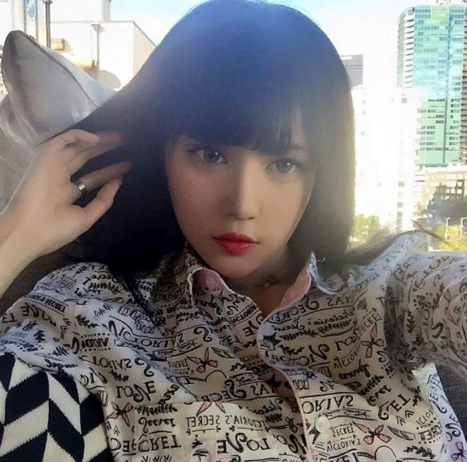 """Ngỡ ngàng mặt mộc của """"búp bê sống"""" Kina She với vẻ đẹp siêu thực - 6"""