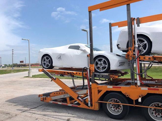 Chevrolet Corvette C8 sắp về Việt Nam, giá khoảng 7 tỷ đồng - 1