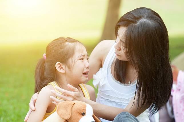 Nếu không muốn làm hại con cái, cha mẹ cần thay đổi 8 thói quen này - 1