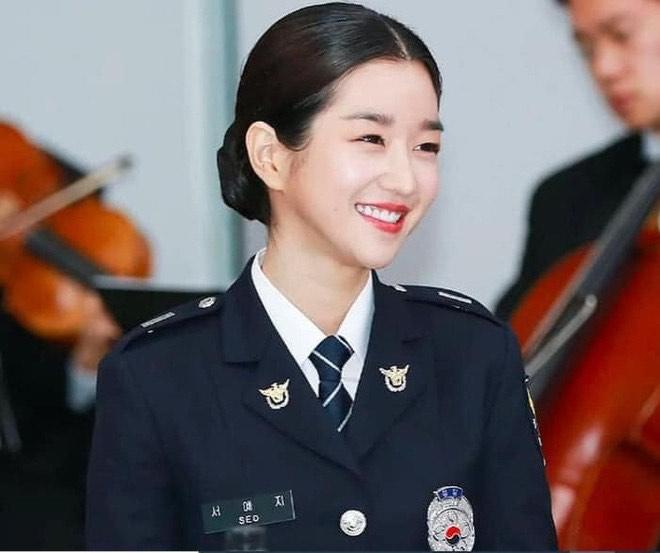 """Mê mẩn nhan sắc nữ cảnh sát xinh đẹp xứ Hàn từng là """"người tình"""" của G-Dragon - 1"""