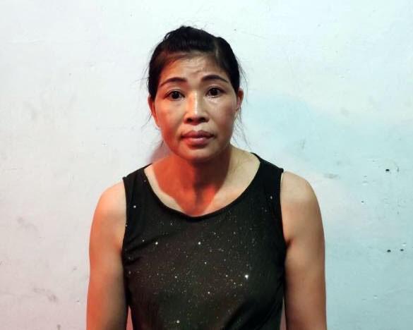 Phá tụ điểm mại dâm núp bóng quán cà phê ở Quảng Ninh - 1