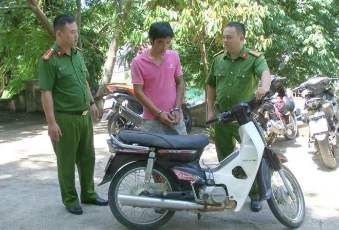 3 công an bị thương khi vây bắt đối tượng nhiễm HIV trộm xe máy - 1