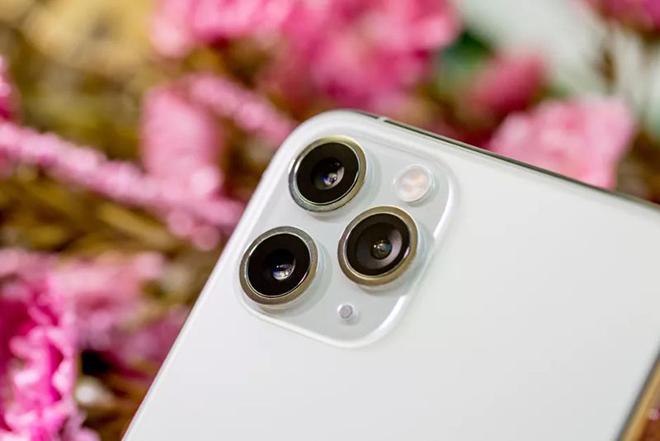Apple từng nghĩ gì trong thiết kế iPhone 11 Pro - 1