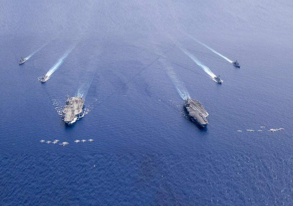 """Bộ Quốc phòng TQ """"nổi đóa"""" khi Mỹ đưa 2 tàu sân bay đến Biển Đông tập trận - 1"""