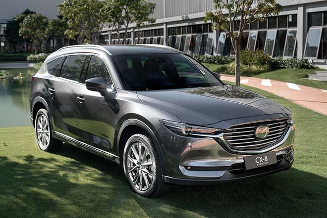 Mazda CX-8 ưu đãi lên tới 200 triệu đồng, giảm thêm 50% phí trước bạ - 1