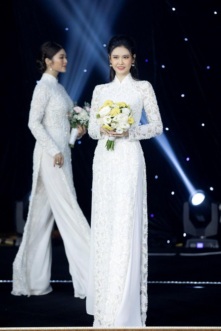 Trương Quỳnh Anh diện áo dài cưới làm cô dâu - 1