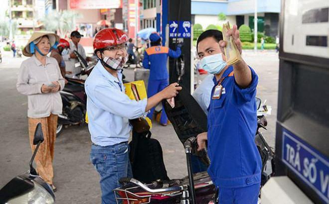 Giá xăng có thể giảm nhẹ ngày mai - 1