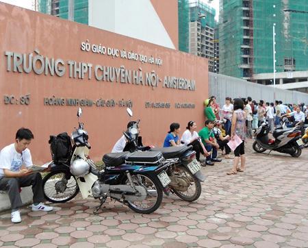 """Cuộc đua vào lớp 6 trường chuyên tại Hà Nội giữa các thí sinh """"siêu giỏi"""" - 1"""