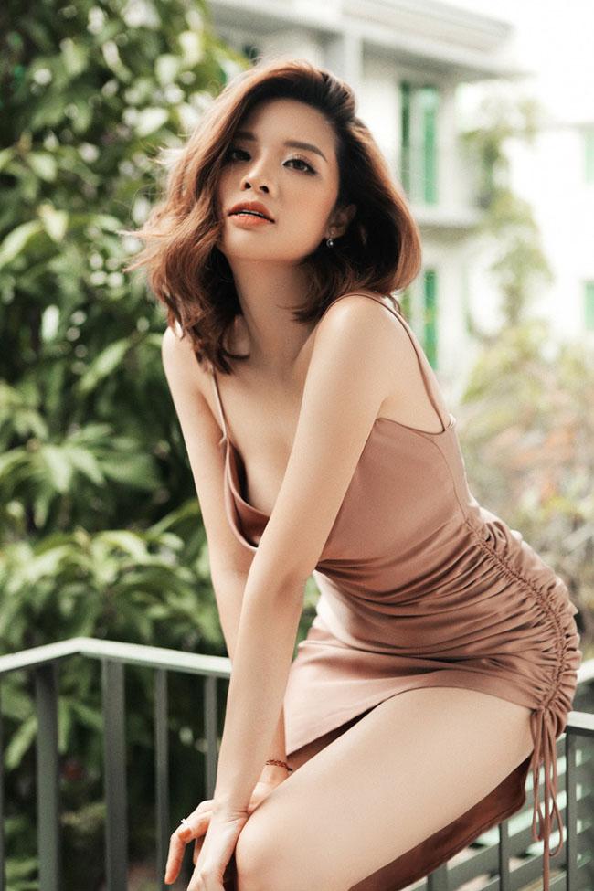 Phan Hoàng Thu được biết đến khi đăng quang Hoa hậu Đông Nam Á. Sở hữu ngoại hình xinh đẹp, trẻ trung ít ai biết cô đã là mẹ của 1 nhóc tỳ đáng yêu.