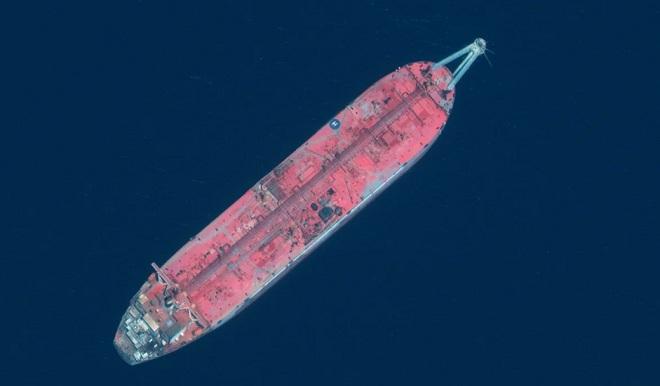 """""""Quả bom hẹn giờ"""" nổi trên biển có thể gây ra thảm họa khủng khiếp nhất thế giới - 1"""