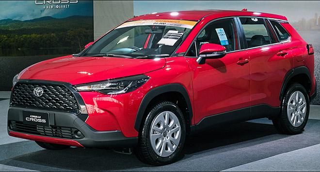 Ảnh thực tế mẫu xe SUV Toyota Corolla Cross phiên bản sử dụng động cơ xăng tại Thái - 1