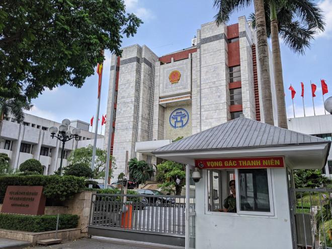 Hà Nội chưa nhận thông báo về vụ khám xét với thành viên Tổ giúp việc, tài xế của Chủ tịch UBND TP? - 1