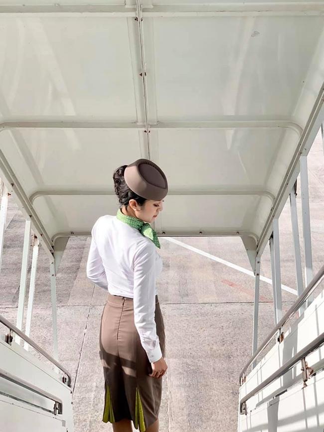 Tiếp viên hàng không Nguyễn Thanh Thủy là gương mặt được nhiều người biết đến nhờ ngoại hình khả ái.