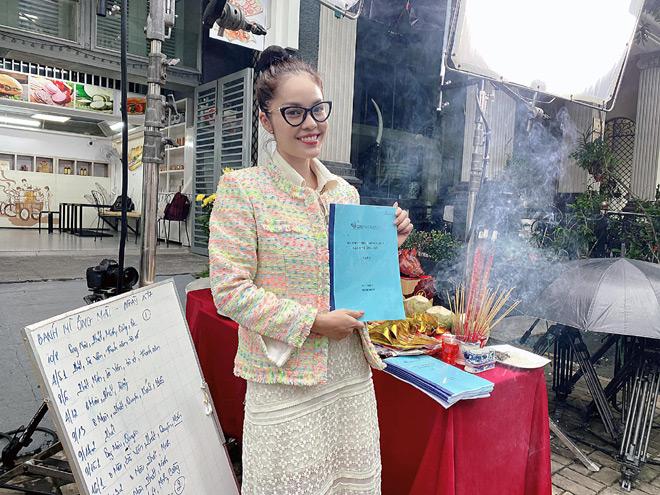 Mẹ đơn thân Dương Cẩm Lynh trở lại showbiz vì cát-xê quá khủng? - 1