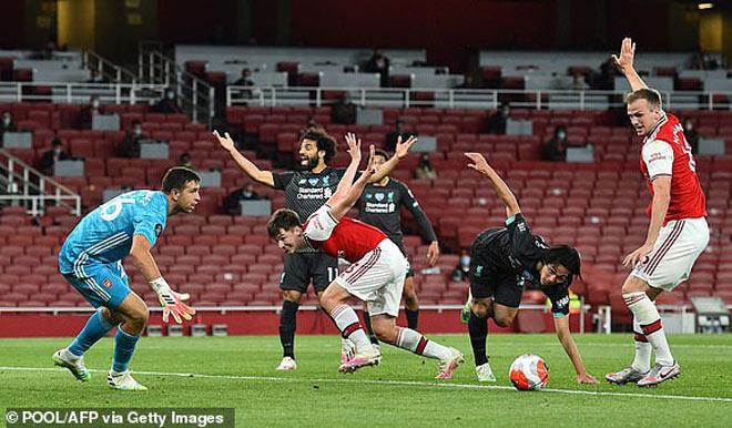 """Liverpool thua ngược Arsenal: Báo chí Anh thi nhau công kích 2 """"tội đồ"""" - 1"""