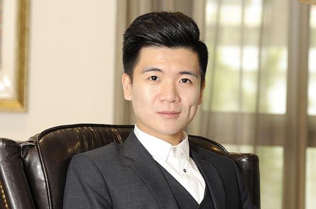 Đỗ Quang Vinh (sinh năm 1989) là con trai của ông bầu Đỗ Quang Hiển (thường gọi là bầu Hiển).