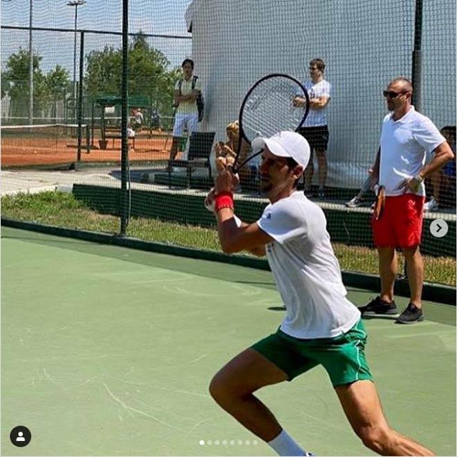 Nadal, Djokovic luyện công 2 mặt sân khác nhau: Họ có cùng dự US Open? - 1