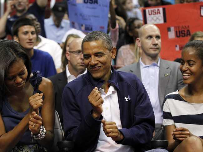 Obamas bước vào Nhà Trắng với giá trị tài sản ròng 1,3 triệu đô la trong năm 2008. Con số này đã tăng lên ít nhất 40 triệu đô la.