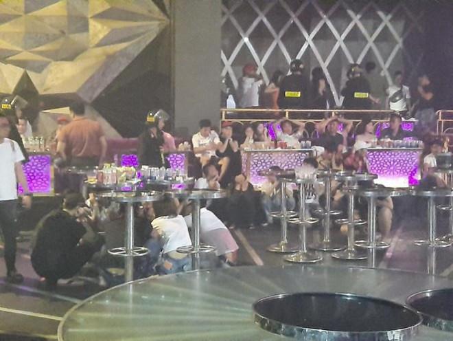 Đêm thác loạn ở quán bar Romance tại Đồng Nai - 1