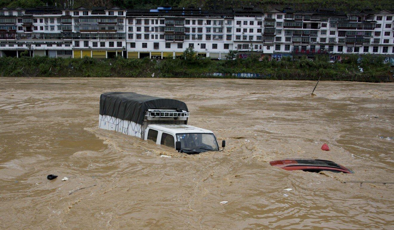 Vi Sao Trung Quốc Hứng Chịu Lũ Lụt Dữ Dội Nhất Trong Nhiều Thập Kỷ