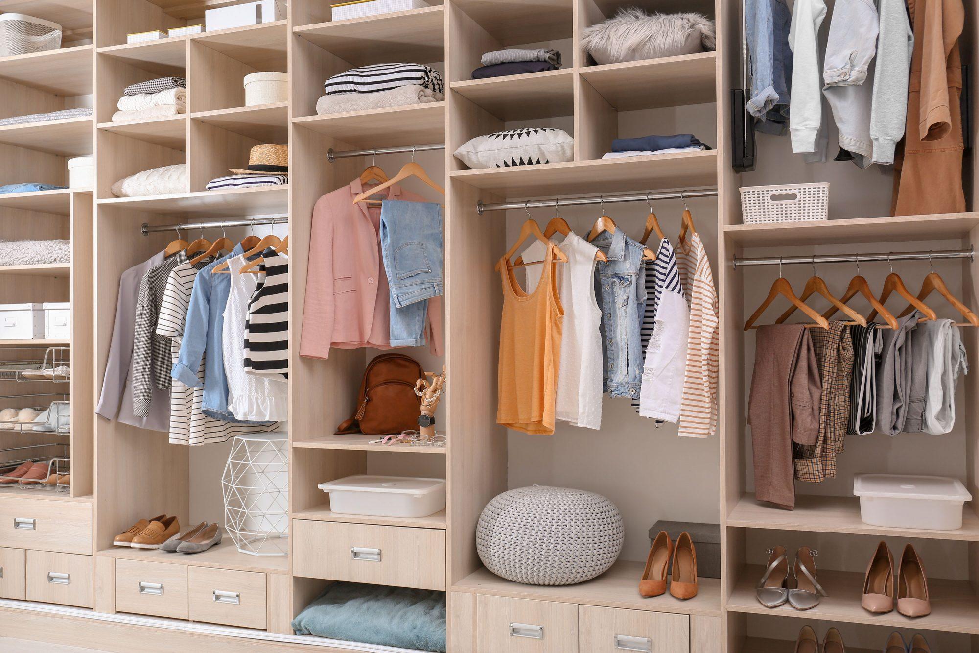 8 bí quyết tuyệt vời để dọn dẹp lại tủ quần áo của bạn - 1